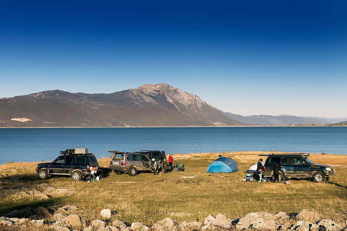 Our bivouac on the shores of Buško lake near the town of Livno in BiH. The peaks of the Dinara mountain range serve as a magnificient backdrop.