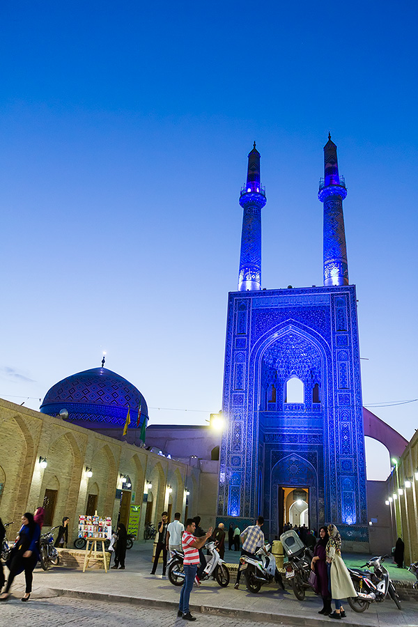 The evening serenity before the famous Jameh Mosque in Yazd