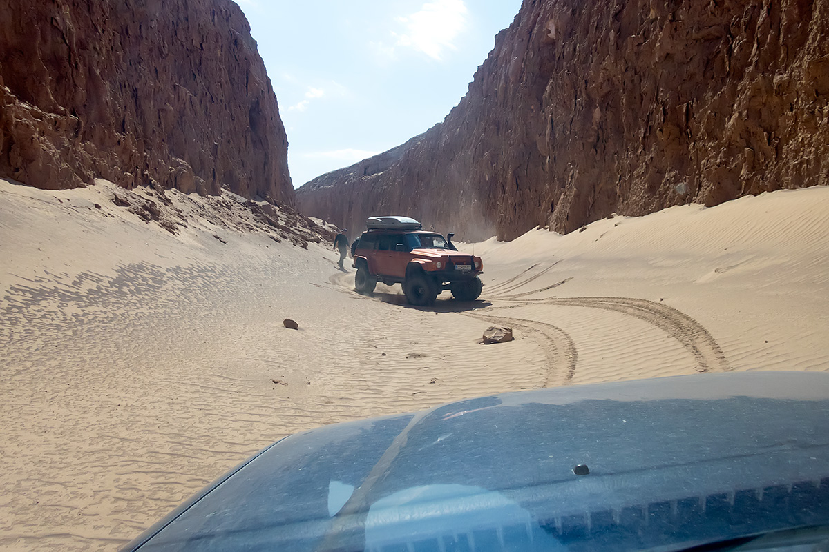 Our turning point in Zaban-e Mar, Snake Tongue Canyon. There was too much rocks to risk the path through.
