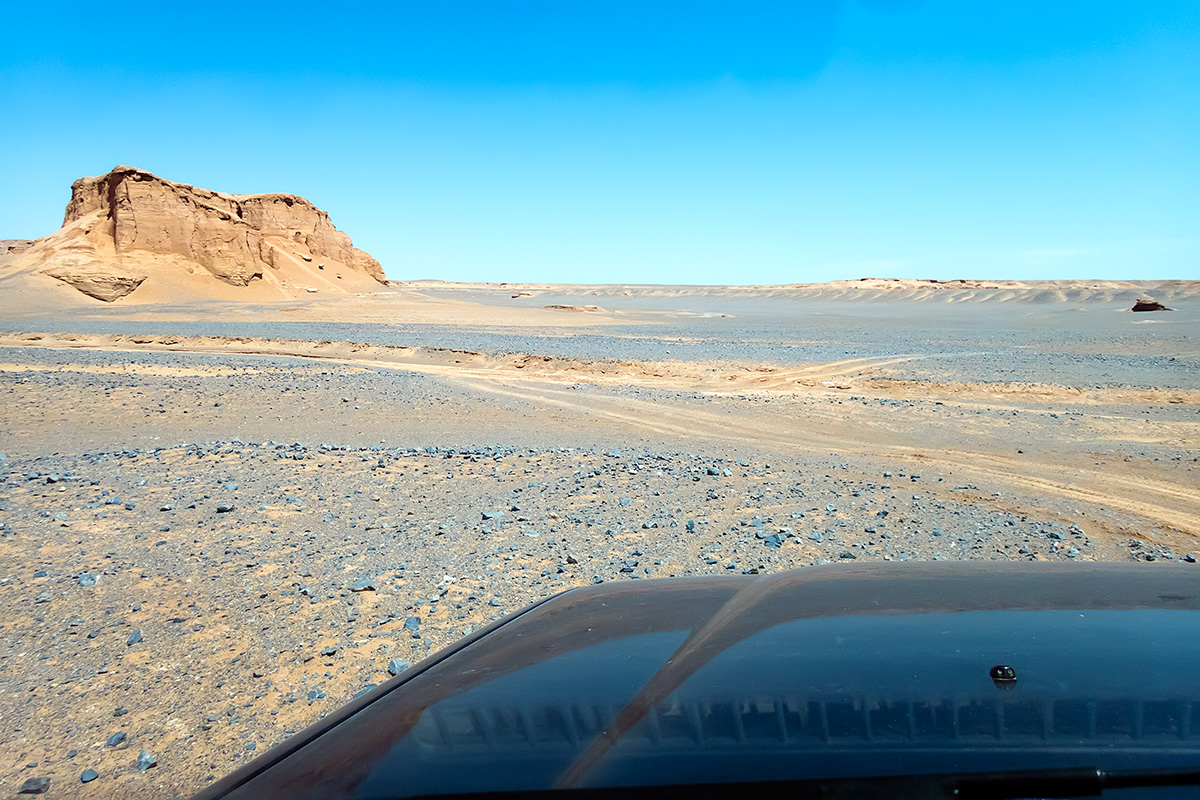 On the way towards Gandom Beryan. The landscape was scorched, the route potholed and slow. Quite hard work for the driver and the vehicle.