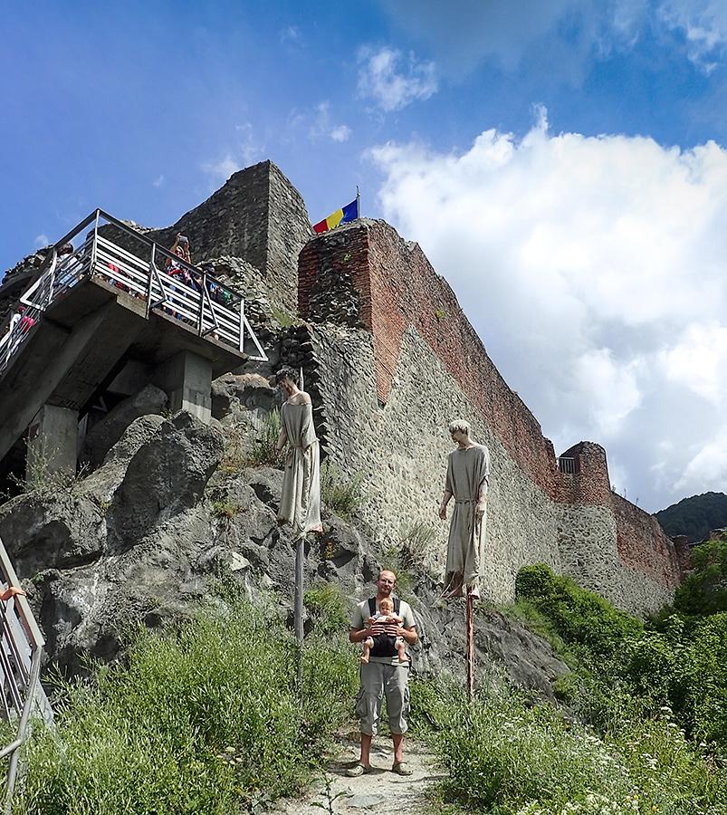 Castelul Poienarii – pravi grad Vlada Tepeša