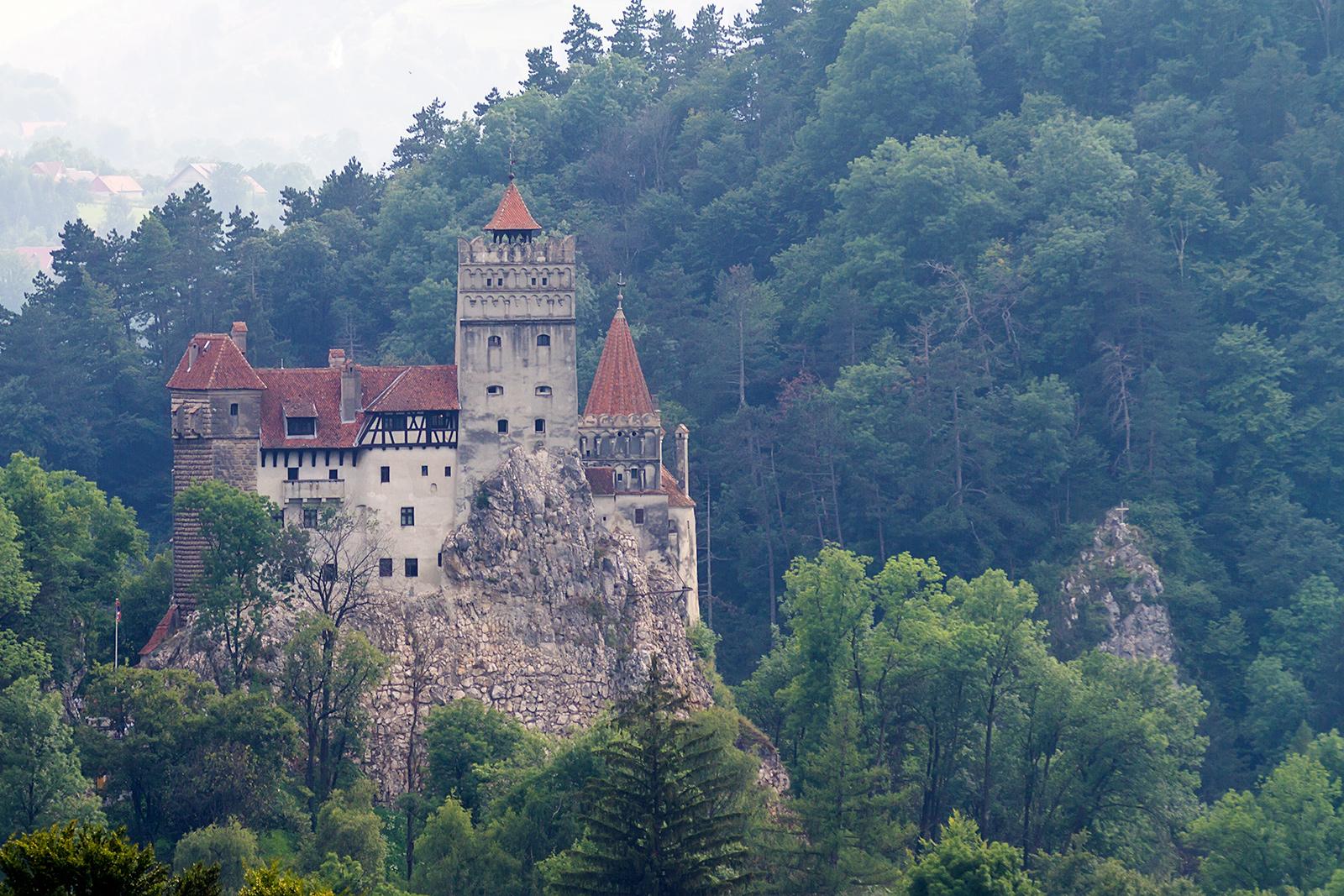 Grad v Branu, oglaševan kot Grad Drakula oziroma Grad Vlad Tepeš